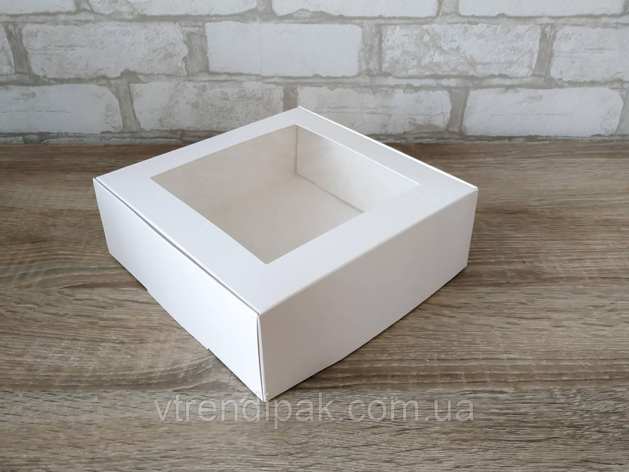 Коробка для десертів з мелованого картону з вікном 200*200*70