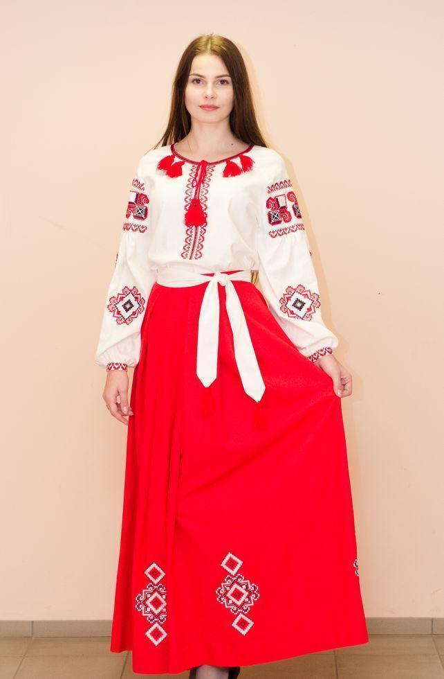 Жіночий костюм Волинські візерунки з вишивкою 44 р. молочно-червоний