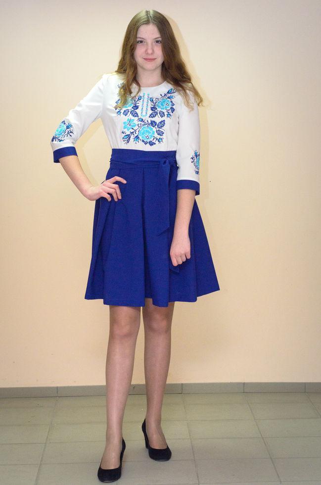 Вышитое  платье  Волинські візерунки  женськое комбинированное 44 р. молочно-синее