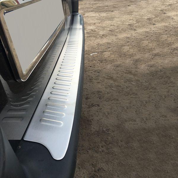 Накладка на задній бампер (матова, нержав.) Renault Trafic, Opel Vivaro, 2001-2014, Omsa 5221093T