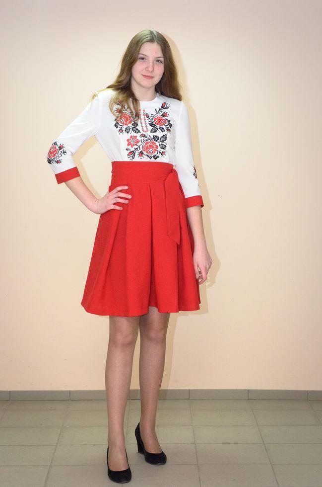 Вышитое платье Волинські візерунки  комбинированное 42 р. молочно-красный