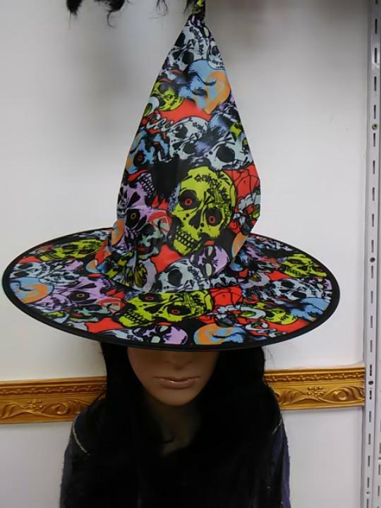 Шляпа ведьмы с рисунком черепа