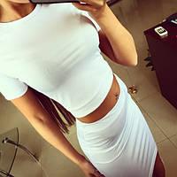 Костюм футболка и облегающая юбка