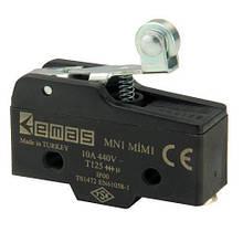 Мини-выключатель с металлическим роликом на коротком рычаге