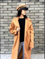Легкое женское бежевое пальто