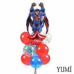 Связка: Супермен в полете, золотая звезда, красная звезда с белой надписью С Днем рождения и 12 шариков
