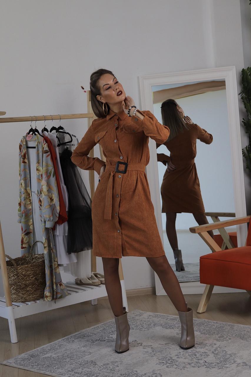 Вельветовое платье-рубашка на пуговицах шоколадного цвета