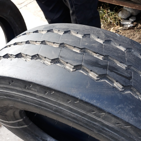 Шины б.у. 235.75.r17.5 Pirelli ST55 Пирелли. Резина бу для грузовиков и автобусов