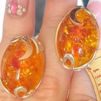 Серебряные серьги с золотыми накладками с янтарем желтым ОС-006