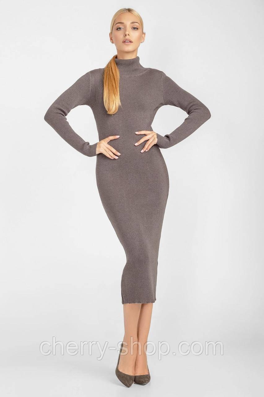 Элегантное длинное платье-футляр прилегающего силуэта