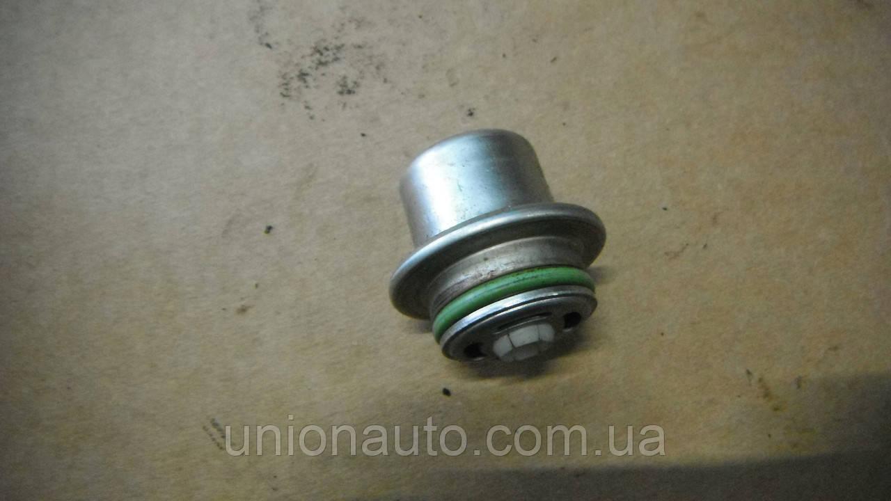 W203 SPORT COUPE 2.0 00-08 Регулятор, клапан давления подачи топлива