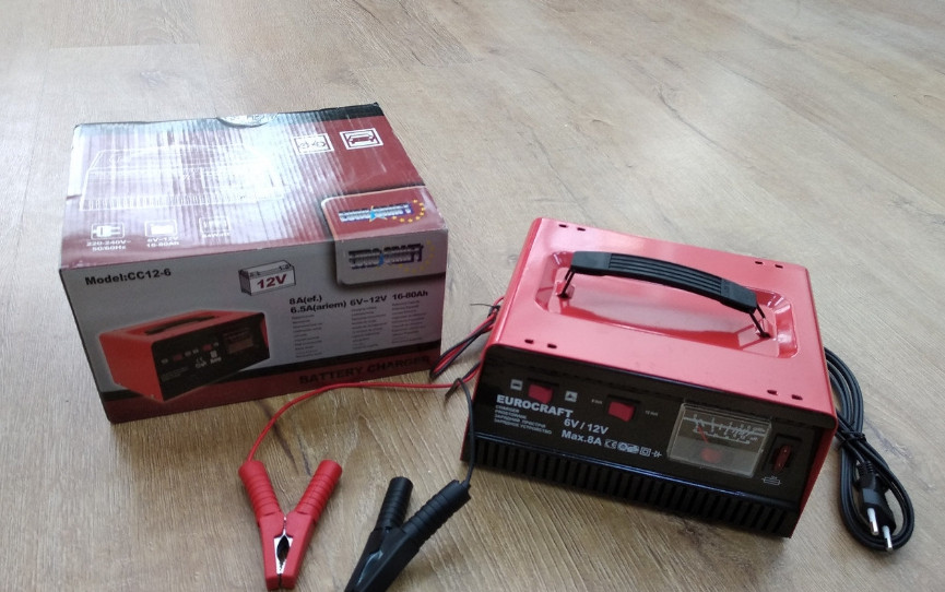 Пуско-зарядное устройство Euro Craft СС7 /12-24В / Пусковой ток 200А