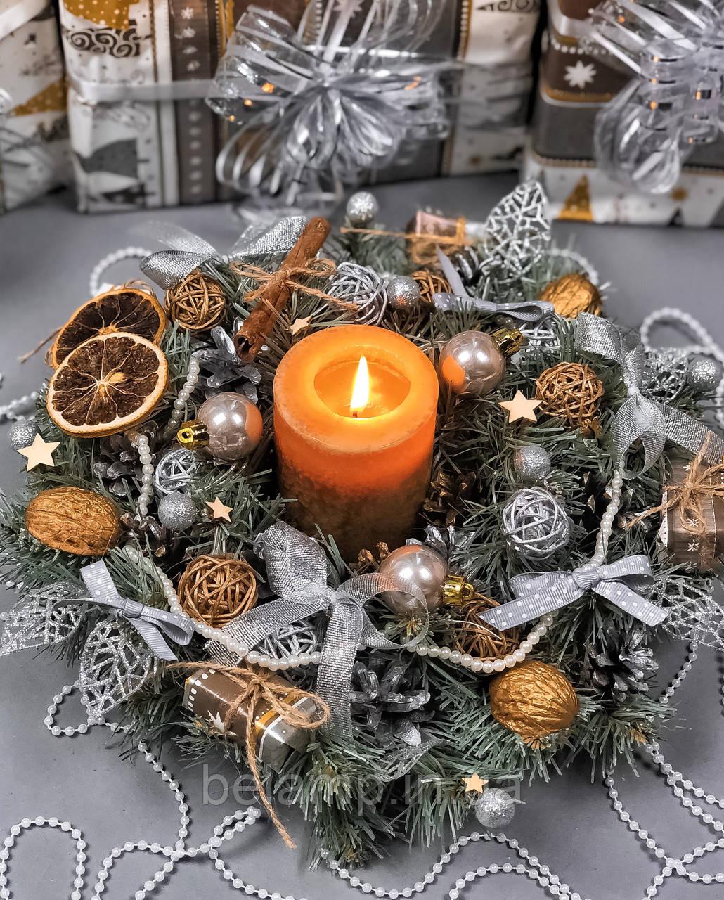 Рождественский венок  с гирляндой от батареек «Шикарный серебряный»