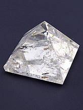 062205 Пирамида Горный хрусталь 30х30х25мм.