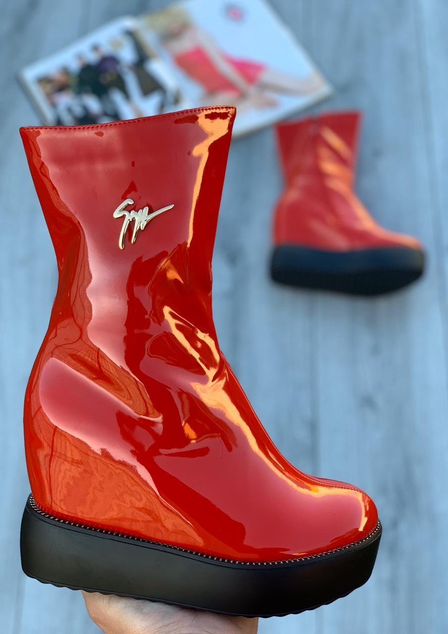 Ботинки женские лаковые Евро-Мех 6 пар в ящике красного цвета 35-40