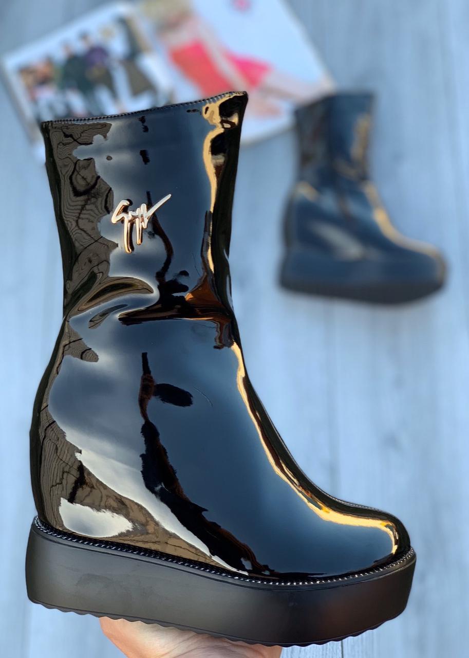 Ботинки женские лаковые Евро-Мех 6 пар в ящике черного цвета 35-40