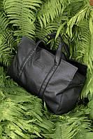 Большая дорожная сумка из кожзама черного цвета