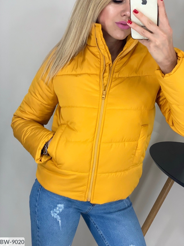 Стильная куртка цвет горчица