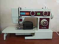 Электромеханическая швейная машинка Привилег 318