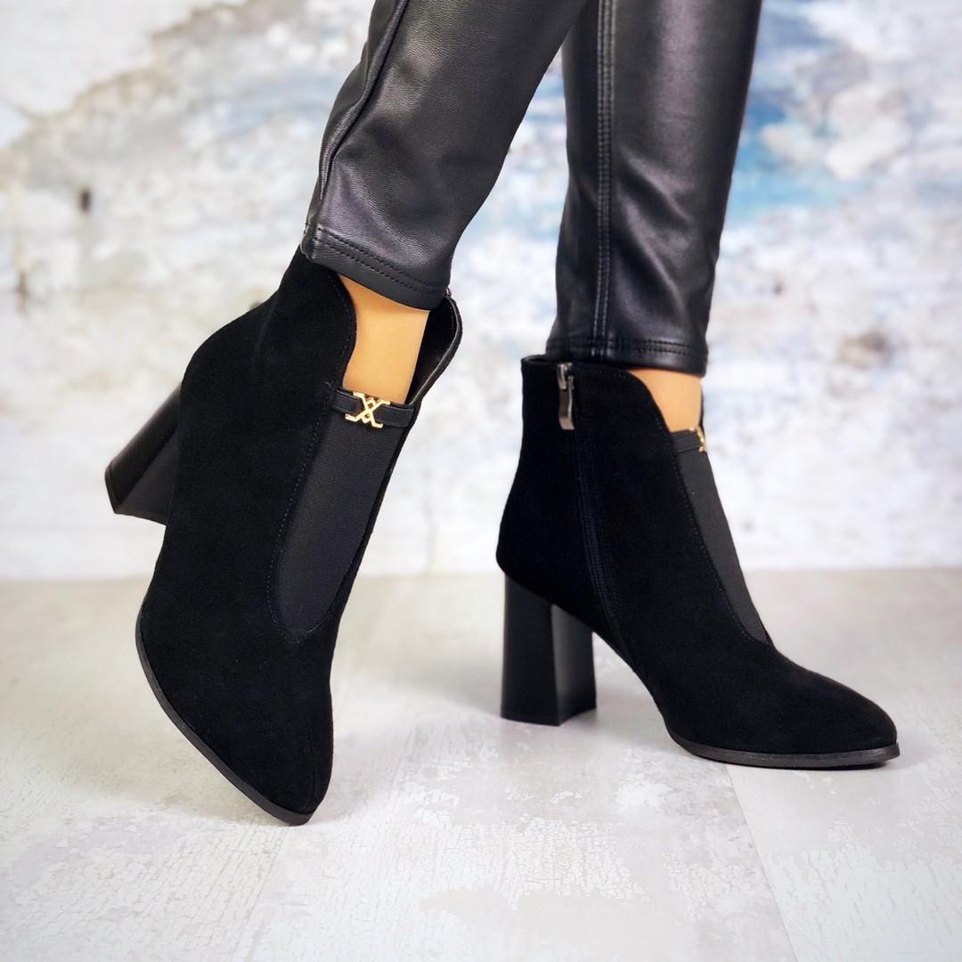 Женские черные замшевые ботинки на каблуке Kristal