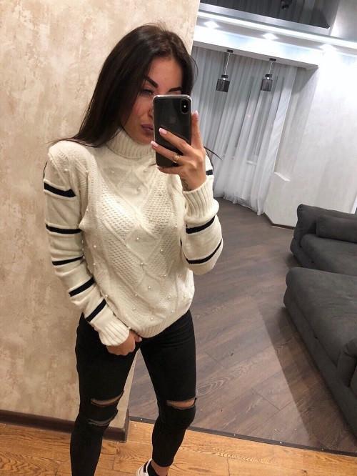 Красивый теплый свитер Узор жемчуг молоко (42-46)