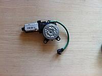 Передний правый мотор электро-стеклоподьемника Lanos, Sens (под шестерню, оригинал GM)