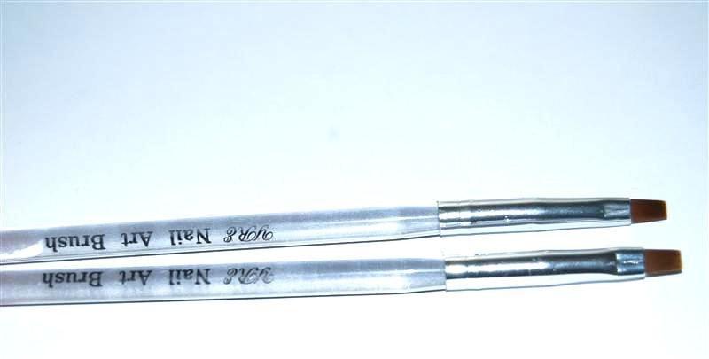 Кисть для геля искуственная №4 YRE с деревянной ручкой