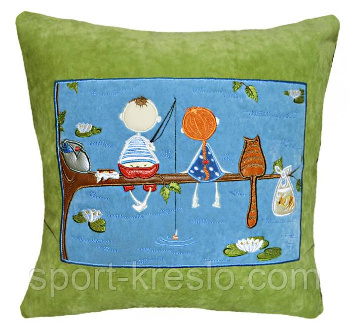 Сувенірна подушка з вишивкою