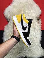 Мужские кроссовки Nike Air Jordan 1 Low Black Toe / Найк Аир Джордан белый/черный/желтый