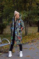Женское длинное зимнее тёплое пальто пуховик с капюшоном с цветным принтом камуфляж бабочки 42 44 46 48, фото 1