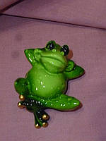 Декоративная статуэтка фигура Лягушка зеленая 6 сантиметров длина