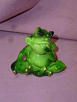 Декоративная статуэтка фигура Лягушка зеленая 6 сантиметров высота