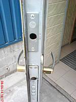 Монтаж замка неведимки на металлическую дверь