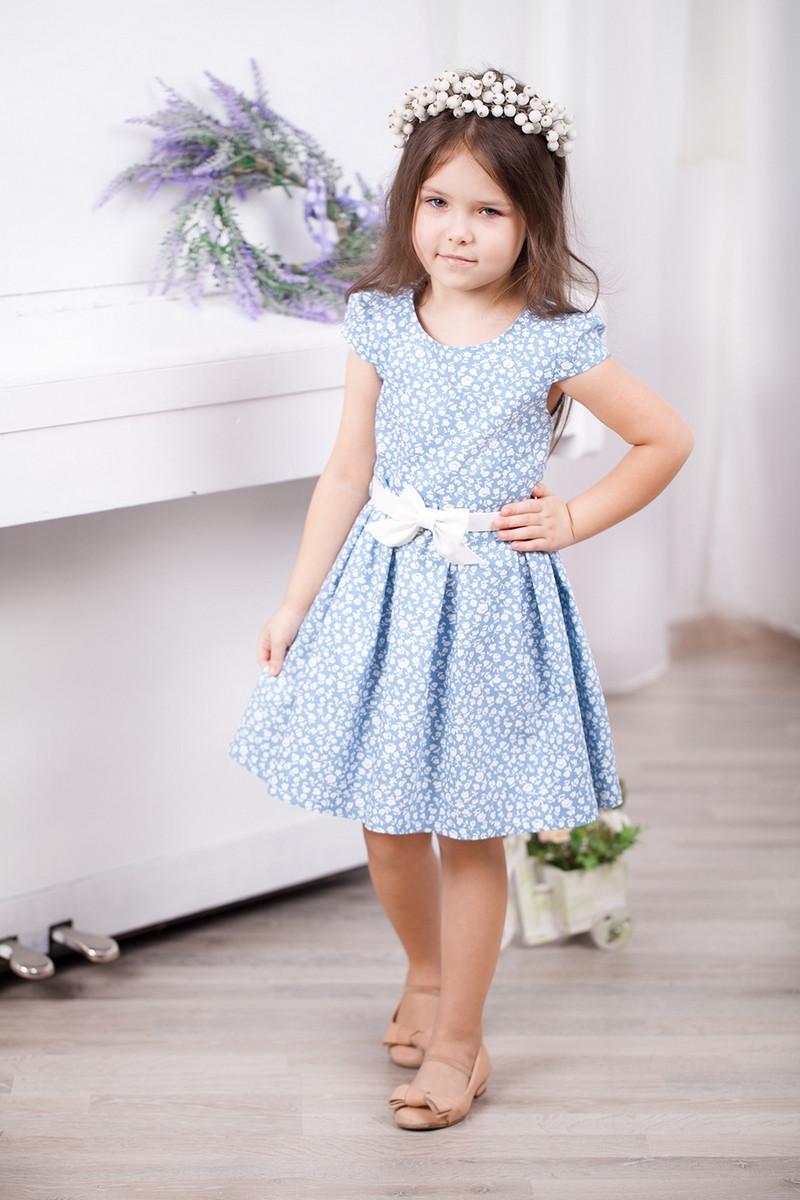 Детское трикотажное летнее платье для девочки в цветочек с поясом в комплекте