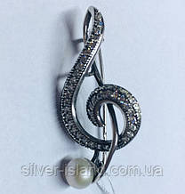 Серебряная брошь с жемчугом Скрипичный ключ