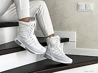 Сапоги сноубутсы спортивные женские Adidas белые реплика