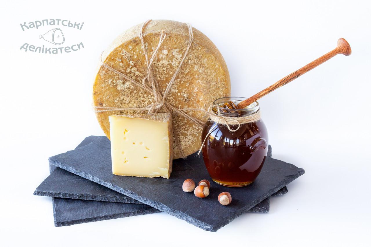 Сир з медово-горіховим ароматом