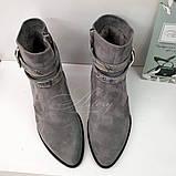 Женские серые замшевые ботинки на невысоком каблуке, фото 2