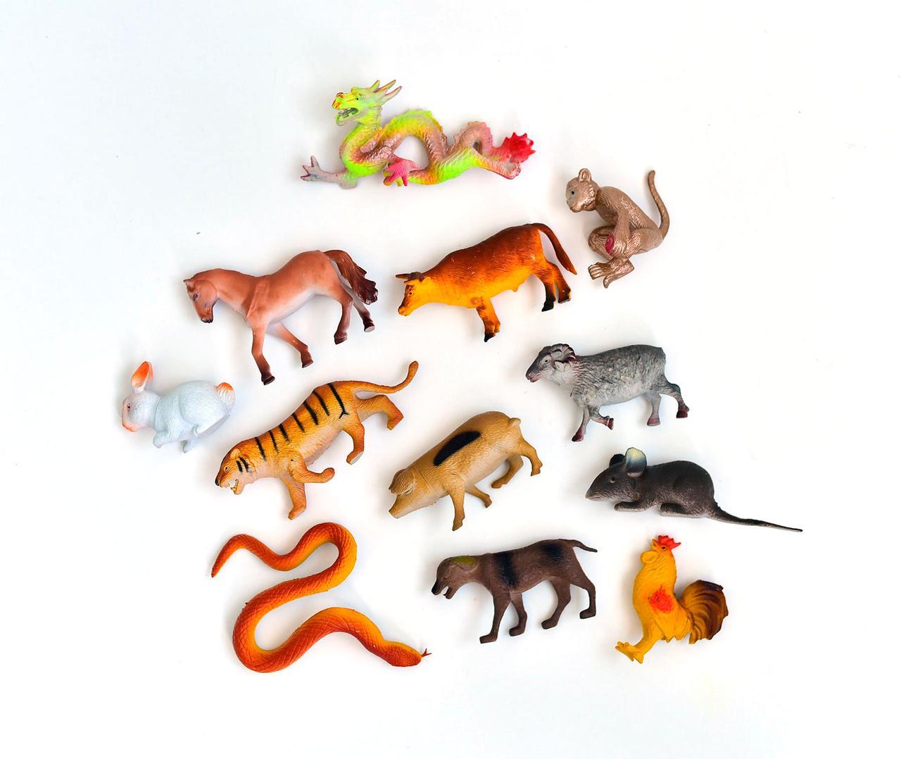 Игровой набор домашних животных Farm Set (12 шт., H642)