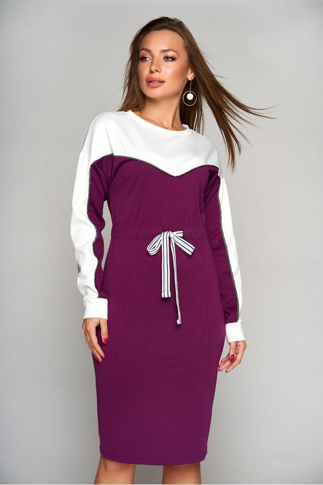 Теплое осеннее платье из шерстяного трикотажа бордовое