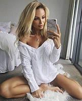 Красивый женский джемпер белого цвета с вырезом 42-44 р