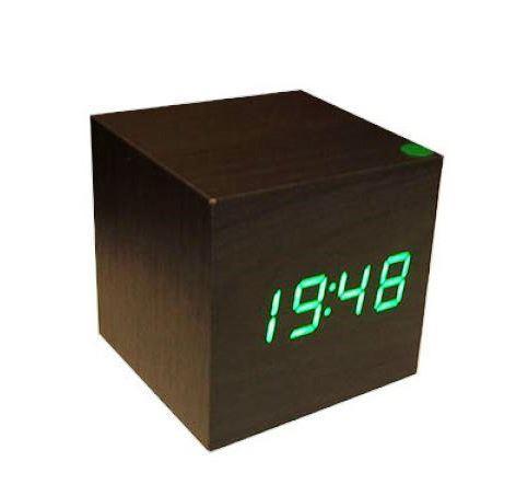 Электронные настольные часы под дерево (подсветка: зеленая)