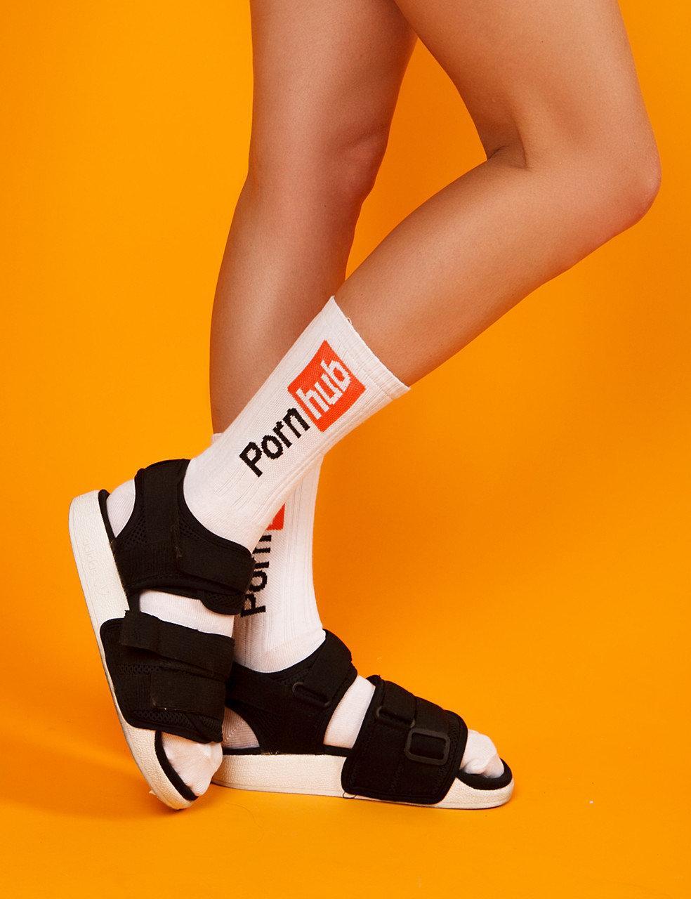 """Белые носки женские с принтом """"Pornhub"""""""