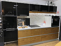 Кухня в сучасному стилі чорна шпон