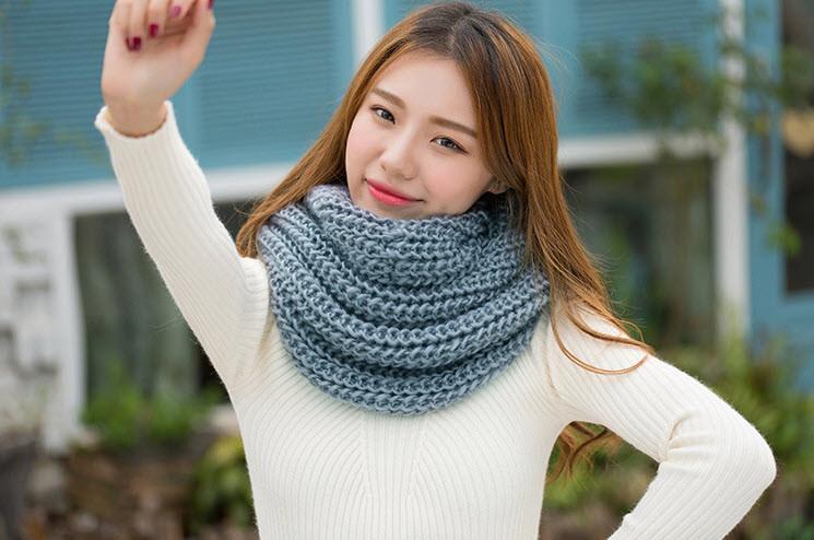 Элегантный вязанный шарф кольцо