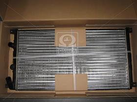 Радиатор охлаждения RENAULT MASTER II (98-) (пр-во Nissens). 63761