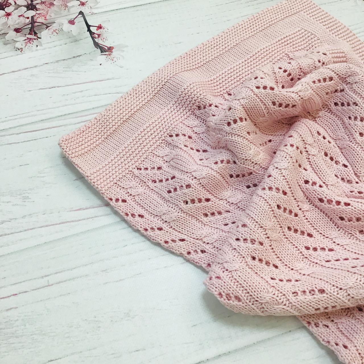 Плед вязанный косичка с наклонным узором розового цвета 95*75 см (90% хлопок, 10% акрил)