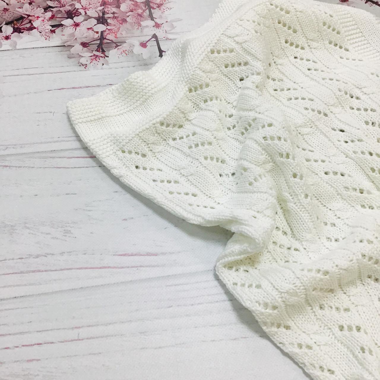 Плед вязанный косичка с наклонным узором белого цвета 95*75 см (90% хлопок, 10% акрил)