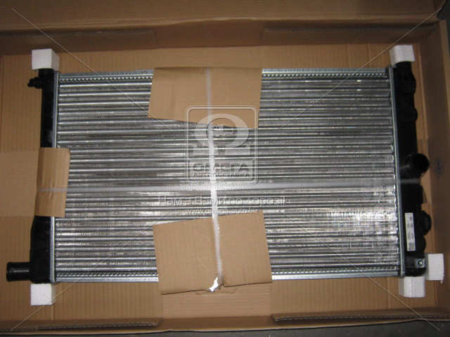 Радиатор охлаждения DAEWOO NEXIA (94-) (пр-во Nissens). 61651A