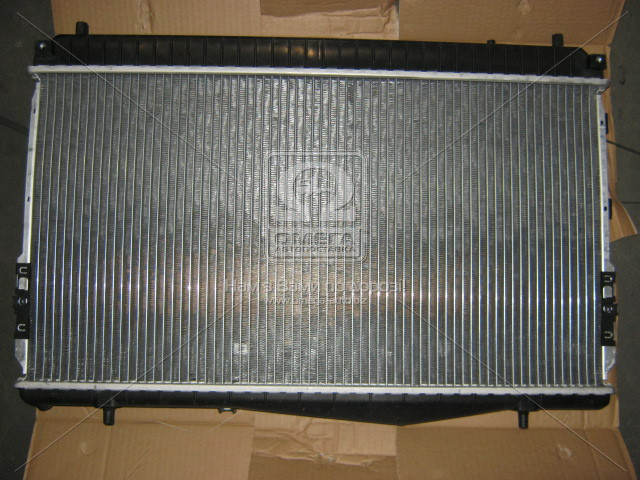Радиатор охлаждения CHEVROLET LACETTI 1,6-1,8 (пр-во Nissens). 61633